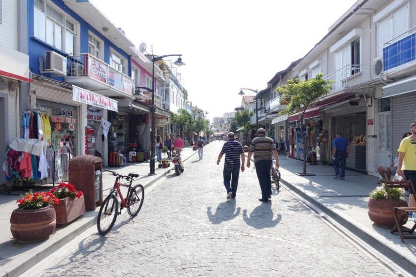 The street of Çeşme